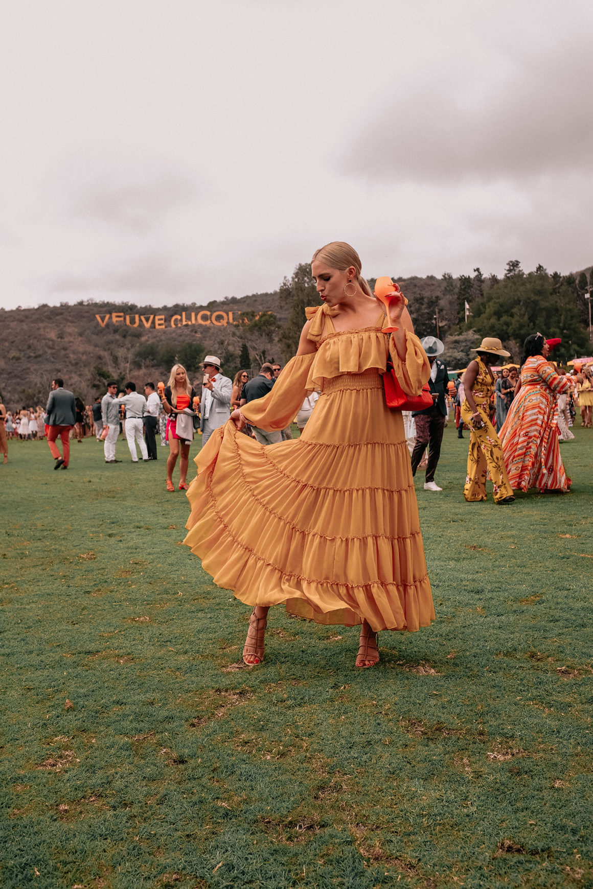 HOW TO DRESS FOR LA'S VEUVE CLICQUOT POLO CLASSIC