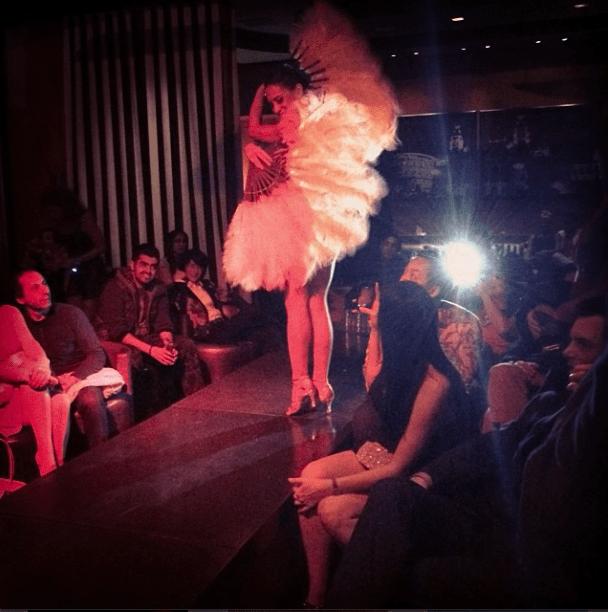 burlesque dancer at Riviera 31