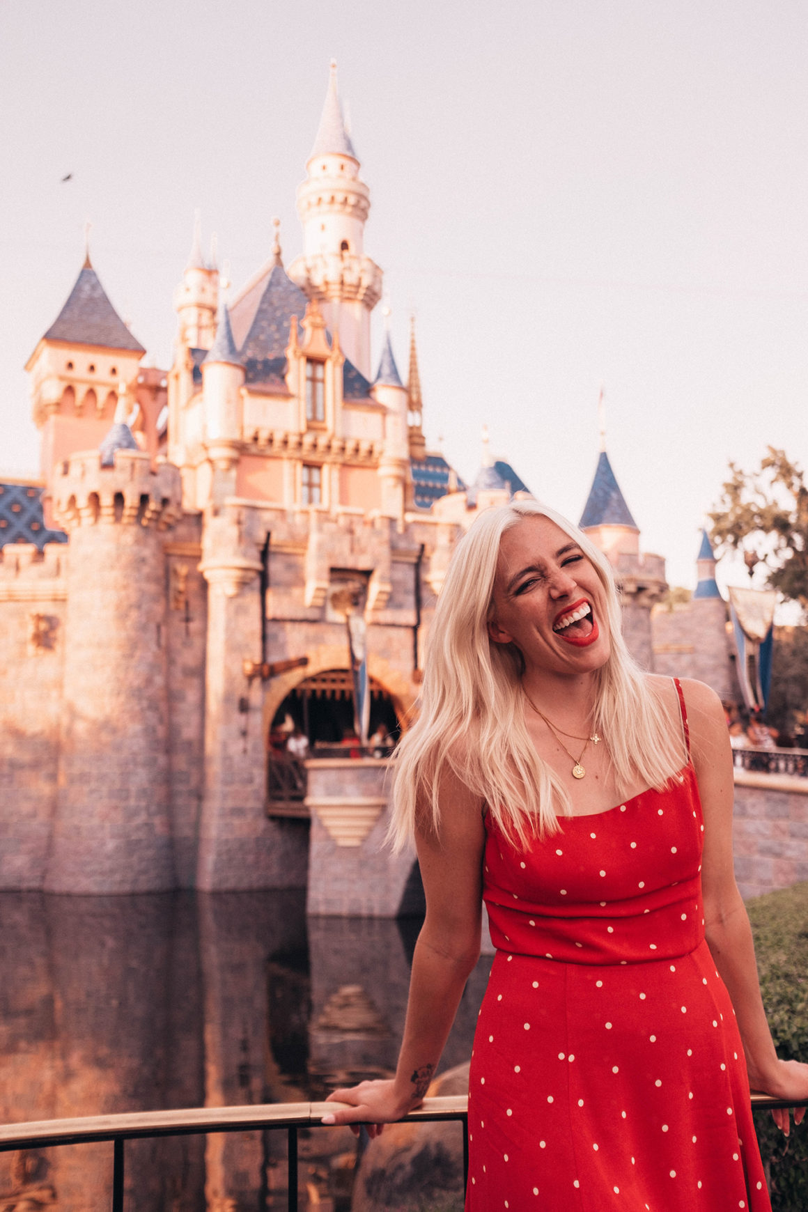 10 Tips + Tricks To Experience Disneyland Like A Pro.