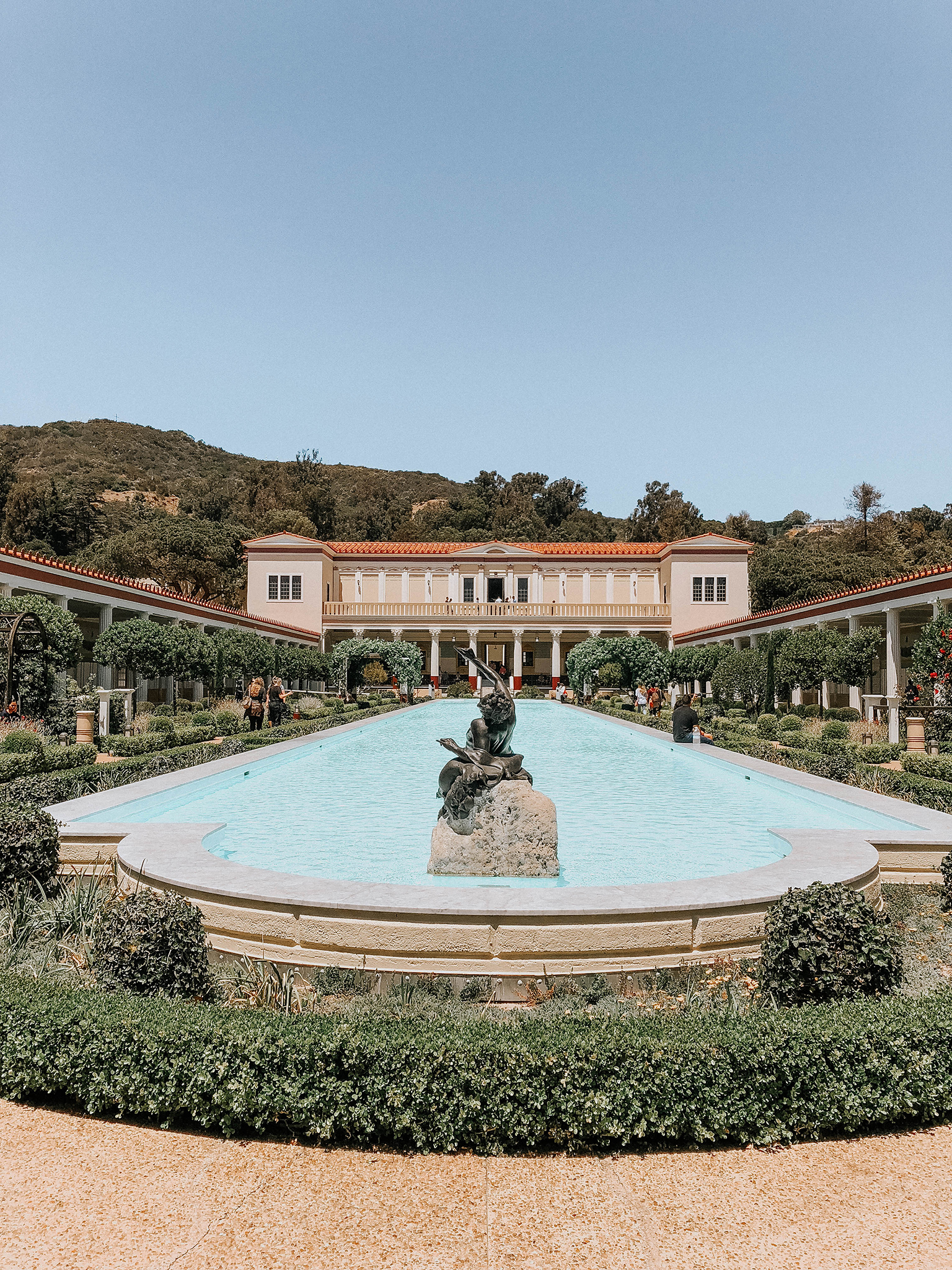 swimming pool at the getty villa for the perfect day in malibu