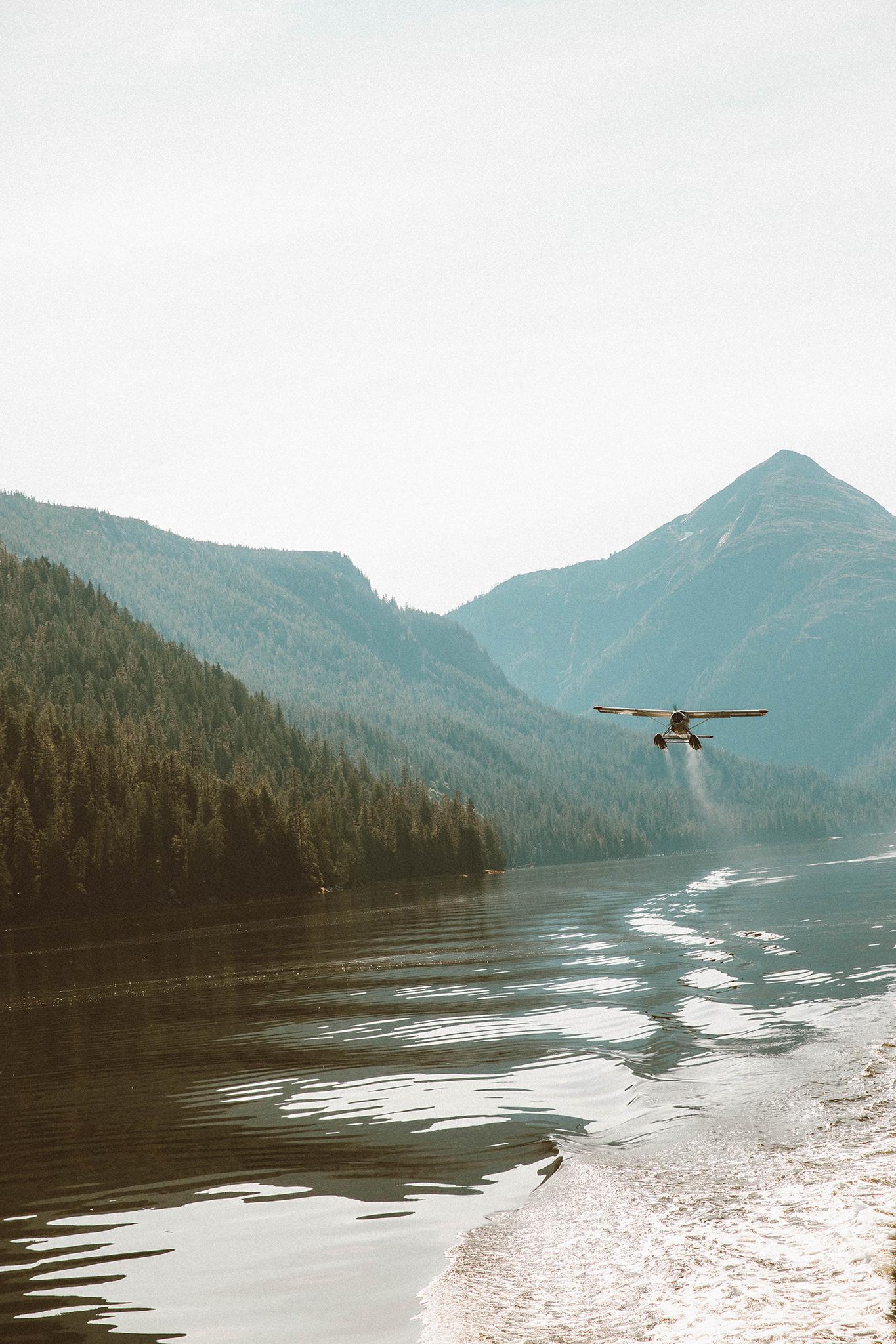 float plane ride alaska