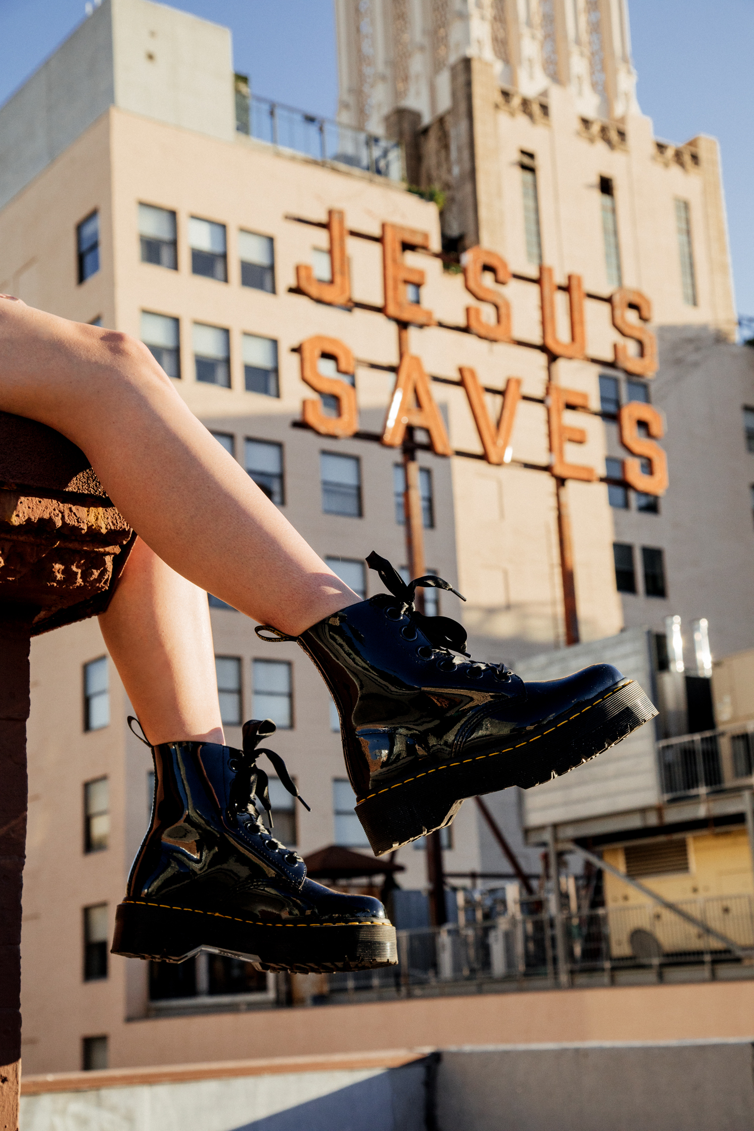 5 EDGY TRENDS LA GIRLS INVEST IN