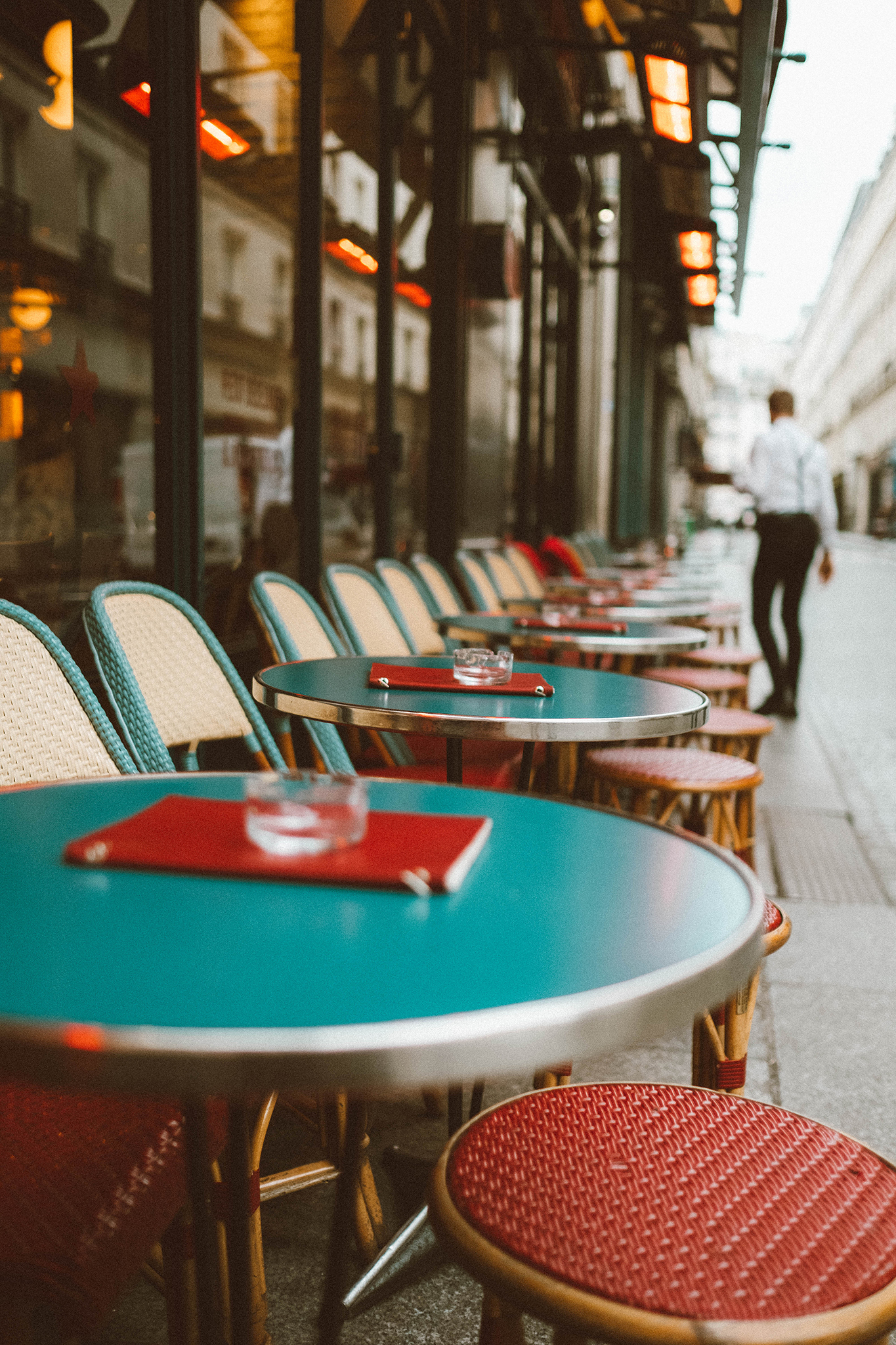 outdoor seating cafe