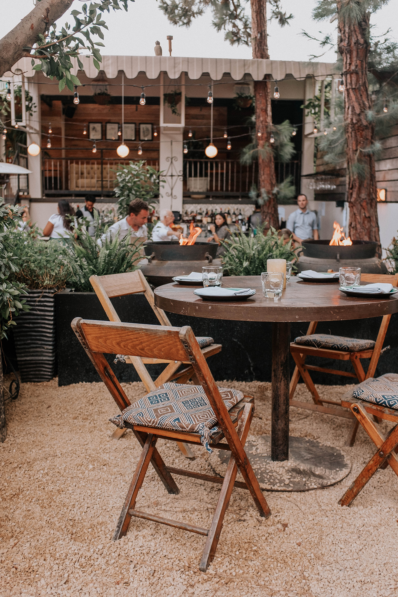 outdoor dining at Fia