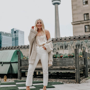 OUTFIT VIDEO: 5 WAYS TO STYLE YOUR WHITE JEANS